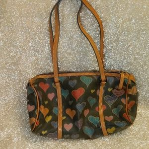 Vintage Dooney & Bourke vinyl heart barrel bag!!